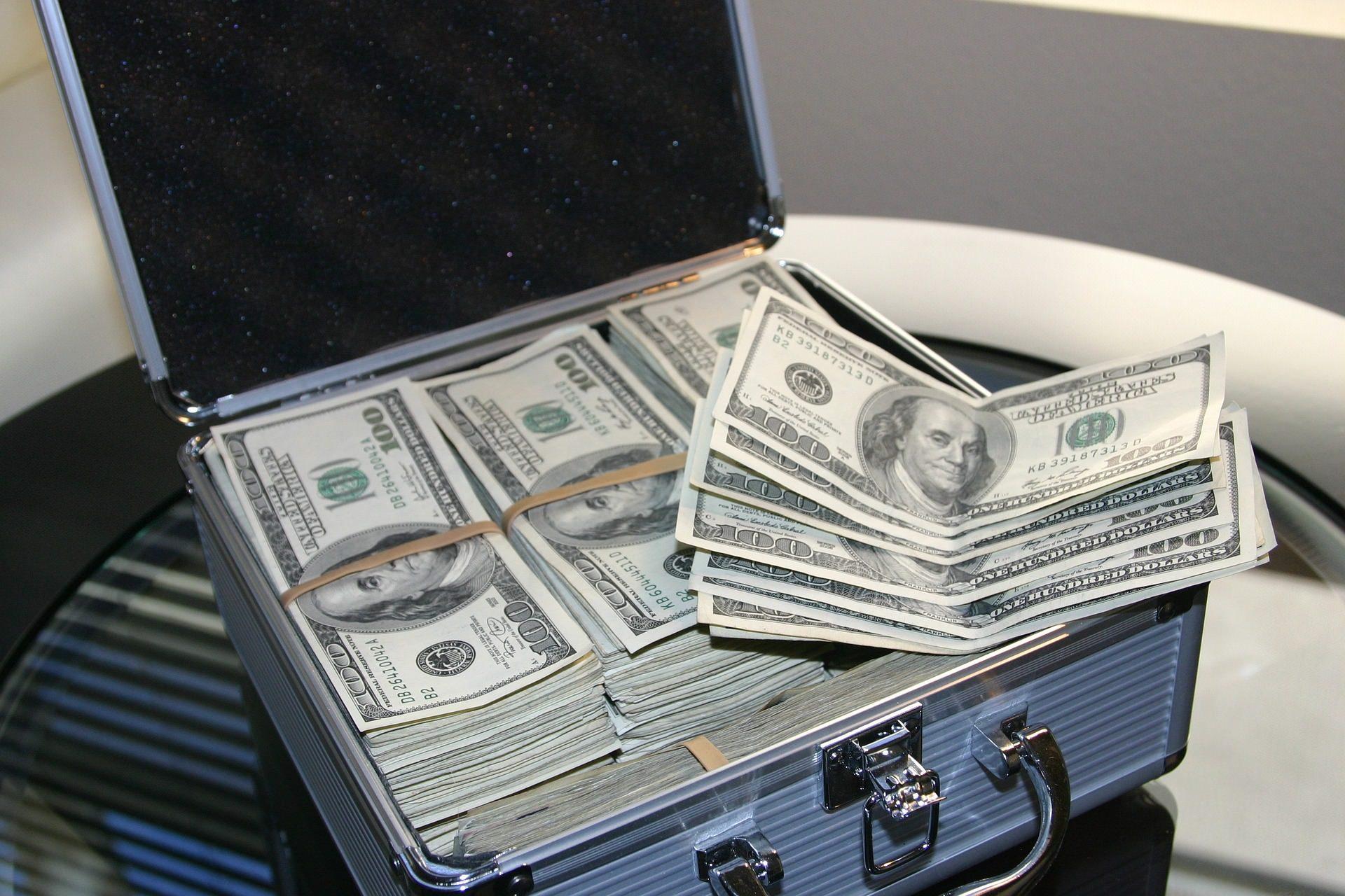 what is hard money lender